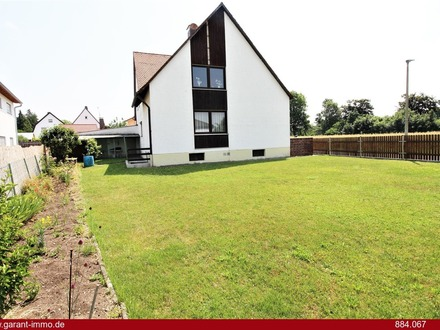 Einfamilienhaus in ruhiger und zentraler Wohnlage - ca. fünf Autominuten von der A92 entfernt