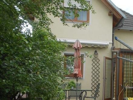 Anbaufähige Doppelhaushälfte mit Einfamilienhauscharakter in schöner Brunner Lage