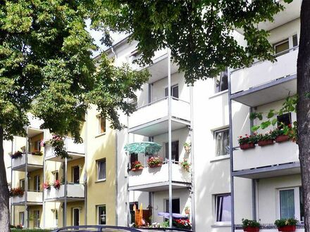 Perfekte ruhige 2 Zi.-Wohnung in grüner Oase mit Balkon