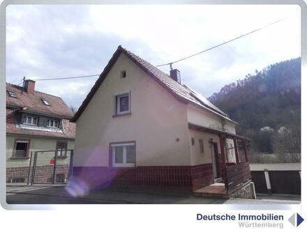 Ein schönes Haus, wundervoll im bewaldeten Tal gelegen mit Bachlauf hinter dem Grundstück