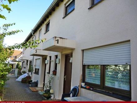 * Familiengerechtes Raumangebot - Reihenmittelhaus mit 4 1/2 Zimmern in NEUHAUSEN/Fildern *