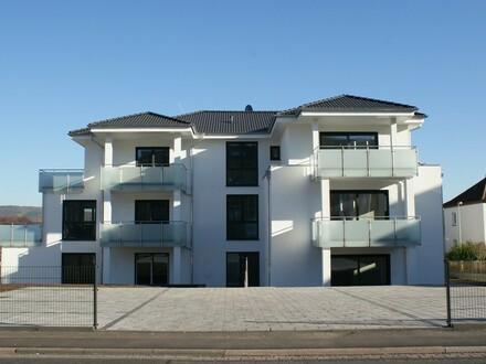 Elegante, helle 4-Zi.-Neubauwohnung mit Balkon und Kfz-Stellplatz