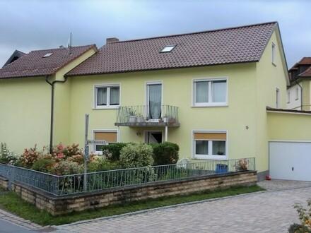 Ideal gelegen: Ein-/Zweifamilienhaus in schöner Ortskernlage