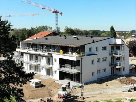 Oberndorf Nähe Gesundheitszentrum: Ruhige 3-Zi.-Wohnung mit Balkon