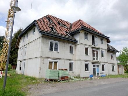 Zwangsversteigerung Mehrfamilienhaus in 37520 Osterode, Auf dem Bruch