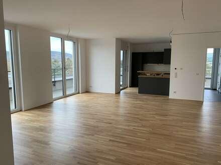 Neubau-Erstbezug +++ Große 4-Zimmer-Wohnung mit Loggia