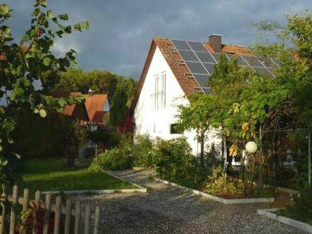 Großzügige, sehr helle Doppelhaushälfte – Erstvermietung nach Grundsanierung