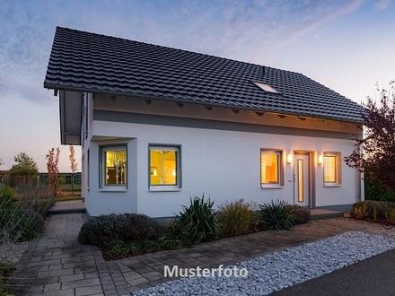 +++ Einfamilienhaus mit Doppelgarage +++