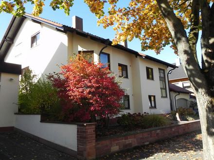 Gepflegtes 2-Familienhaus mit ELW in Wörth