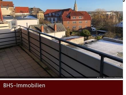 Über den Dächern von Schleswig: Helle 3-Zimmer-Wohnung mit Balkon, Schleiblick und Fahrstuhl