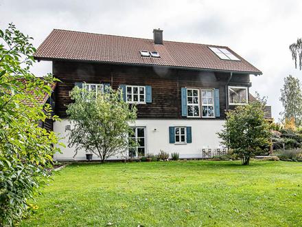 Top gepflegtes Einfamilienhaus in der Natur mit Pferdestall