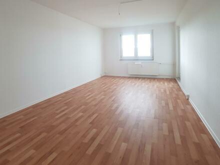 Geräumige 4 Zimmer Wohnung in zentraler Lage!