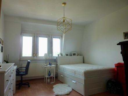 3-Zimmer-City-Wohnung mit Balkon und Außenstellplatz