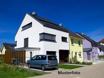 +++ Einfamilienhaus mit 2 Garagen +++