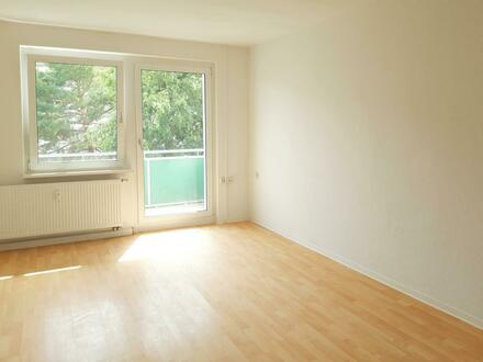 Helle 3-RWG mit Balkon in ruhiger Lage