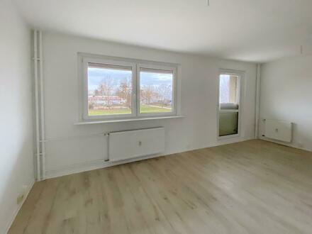 Erstbezug nach Sanierung! Jetzt Mietrabatt auf Ihre neue 4 Zimmer Wohnung sichern!*