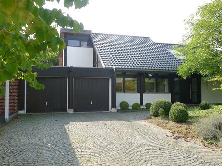 Modernes Fachwerkhaus mit viel Glas, off. Bauweise, Kamin, Wi.-Garten Wiedenbrück-St. Vit