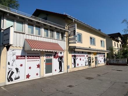 Laden-/Gewerbeflächen mit Potential zur Gastrofläche/Restaurant und Parkplätzen vor dem Haus) in hochfrequentierte Lage!