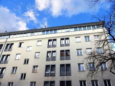 2,5- ZI- Penthouse-Atelierwohnung