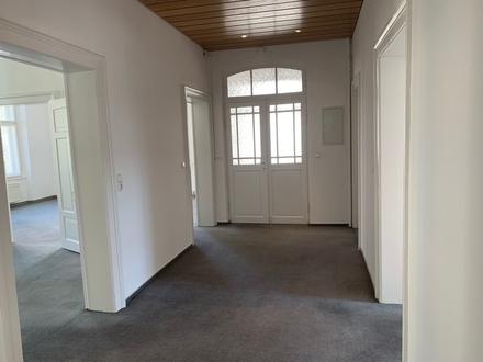 Großzügige 4-Zimmer-Wohnung - Barockstil im Stadtzentrum von Bayreuth