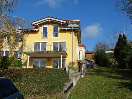 PROVISIONFREI!! Wunderschöne und Außergewöhnliche DHH in Toskana Stile, 94530 Auerbach.