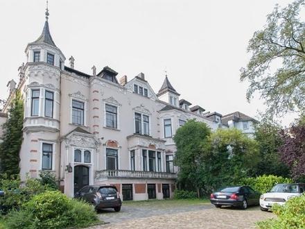 Charmante Büroflächen in denkmalgeschützter Villa