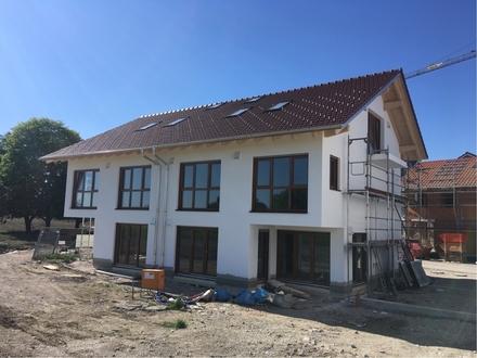 Neubaudoppelhaushälfte in südlicher Ortsrandlage!