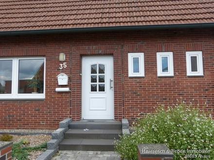 Kleines Häuschen mit Werkstatt, Freisitz, Hühnerstall und Terrassenüberdachung