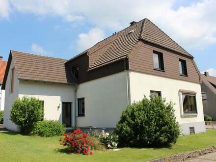 Ein-/Zweifamilienhaus mit großem Garten in ruhiger Lage von Jöllenbeck