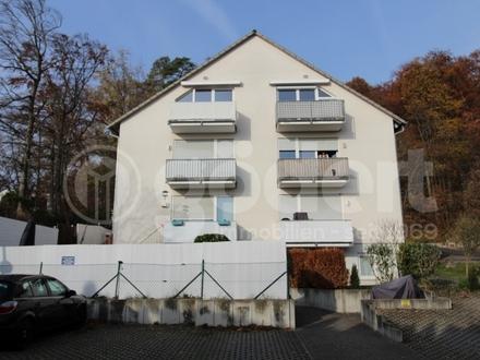 Herrliche Gartenwohnung mit Balkon, Terrasse und zwei Kfz-Stellplätzen!