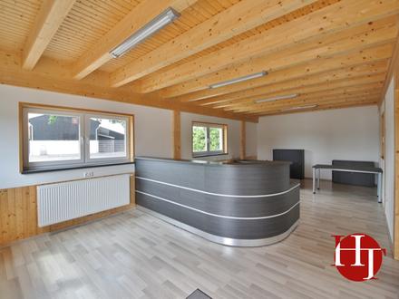 Große Freifläche mit Hallen-/Bürogebäude für Verkauf und/oder Ausstellung!