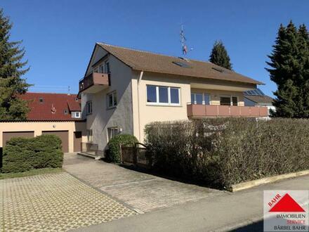 Mehrgenerationen-Haus mit 5 Garagen in bester Lage von Dagersheim