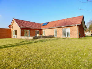 4-Giebel-Landhaus mit Garage in idyllischer Lage!