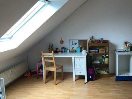 4 Zimmer Maisonette Wohnung mit Küche und Balkon zu vermieten