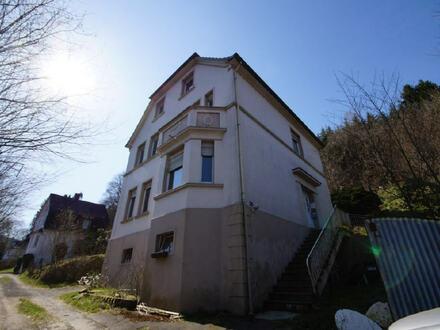 Zweifamilienwohnhaus mit PKW-Stellplatz in stadtnaher Lage von Plettenberg