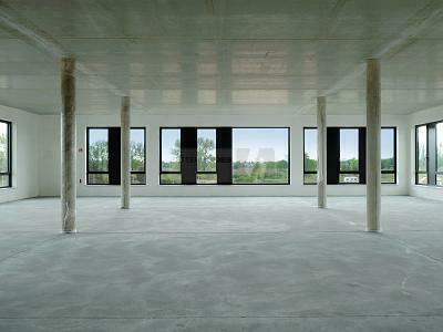 PANORAMABLICK TRIFFT MODERNSTE ARCHITEKTUR