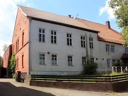Ottenstein: ehem. Weinhaus mit Kegelbahn, sanierungsbedürftig, Dach ok