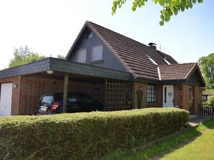 Sterup: Einfamilienhaus mit Einliegerwohnung