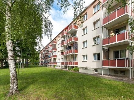 Ein Zuhause mit Balkon und Blick ins Grüne
