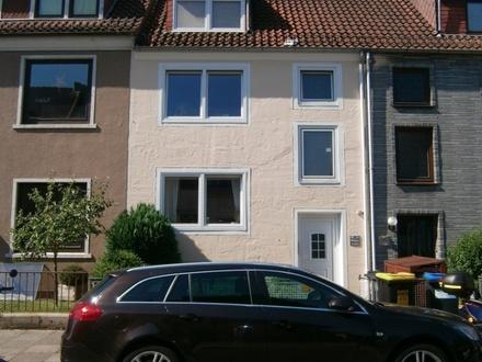 Hastedt: Schöne Etagenwohnung mit Balkon!