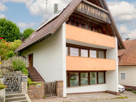 Großzügiges Einfamilienhaus mit Einliegerwohnung/Büromöglicheit in Simmozheim