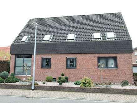 Dachgeschosswohnung mit Stellplatz im Zweiparteienhaus in Biemenhorst