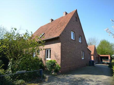 Einfamilienhaus mit riesigem Garten / Bauplatz in Emlichheim