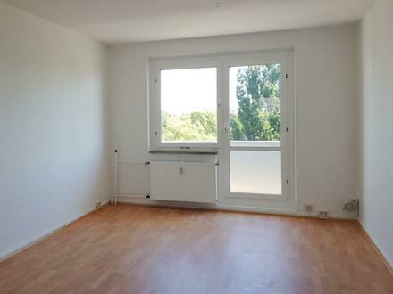 Wir erfüllen Ihren Traum von einer renovierten 3 Zimmer Wohnung mit Balkon! + 750EUR Gutschein*