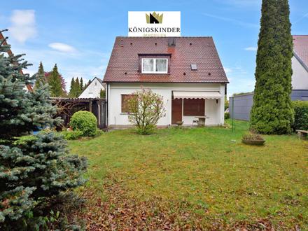 *Liebenswertes Einfamilienhaus mit Garage und schönem Garten sucht neuen Hausherrn*