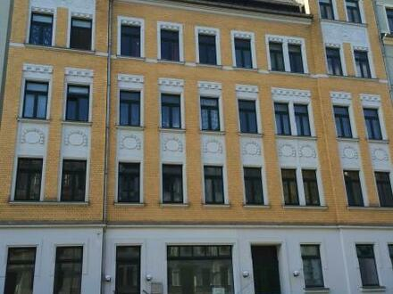 Gemütliche Altbauathmospäre in schöner 2 Raum Wohnung mit Balkon