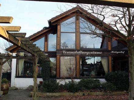 Wedemark: großer Heidegasthof mit Terrasse und Kegelbahn