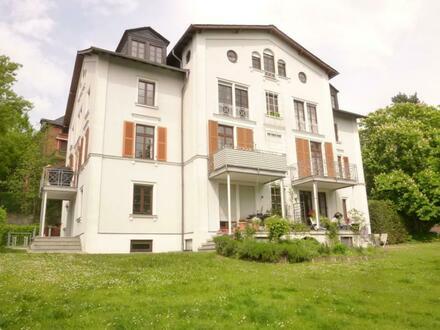 Sanierte Maisonette-Wohnung oberhalb der Taunusstraße!