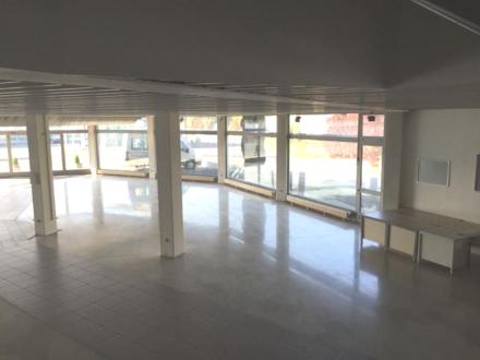 CO-SÜD ** ca. 450 m² Showroom, Lager und Büro ca. 200 m² **