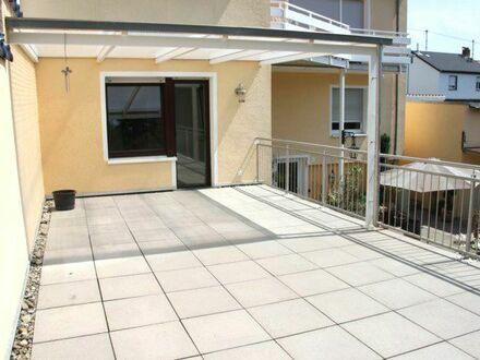 Mayence-Immobilien: Schöne 3 Zimmerwohnung mit großer Sonnenterrasse in Nieder-Ingelheim!
